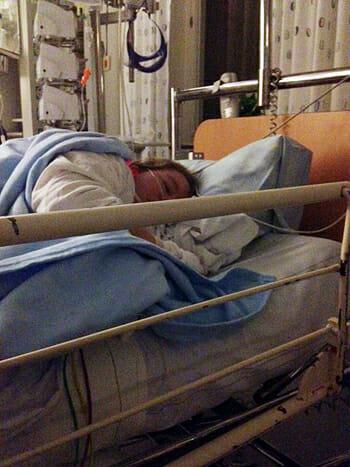 Madeleine i sjukhussäng